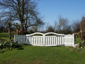 garden-gate-297972_640